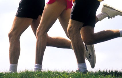 running-group-knees