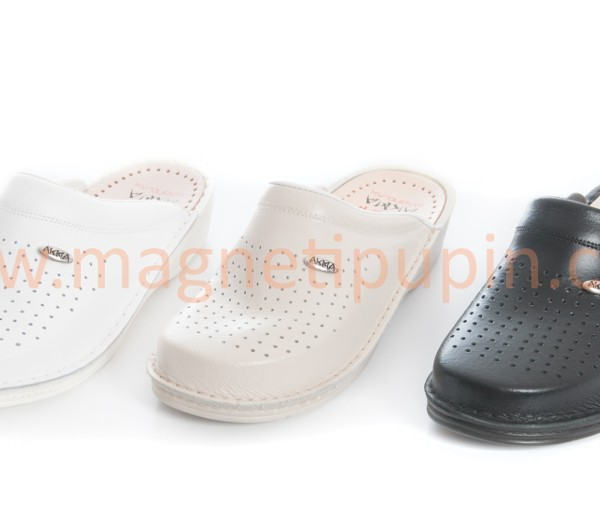 Slippers with 12 magnets (closed toe slippers)